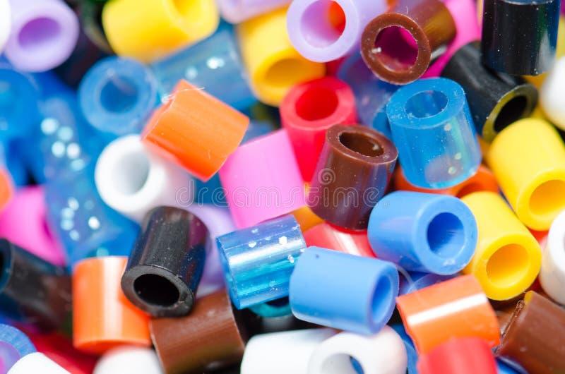 Perles de diverses couleurs, belles images stock