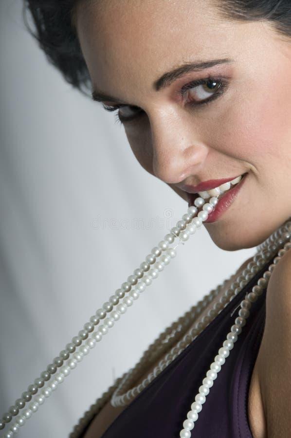 Perles de Talya avec le sourire de vent photographie stock