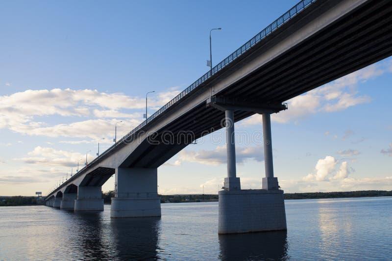 Perm. Κοινοτική γέφυρα. στοκ φωτογραφία με δικαίωμα ελεύθερης χρήσης