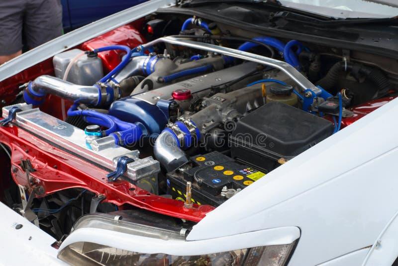 PERMANENTE, RÚSSIA - 22 DE JULHO DE 2017: Motor do carro desportivo imagem de stock royalty free