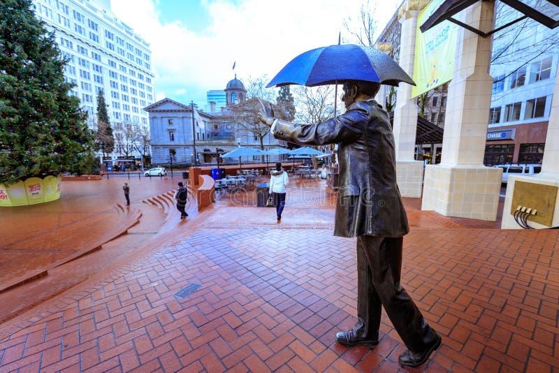 Permettez-moi, également connu comme homme de parapluie dans le tribunal pionnier Squar photographie stock libre de droits