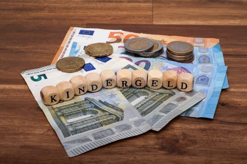 Permissão do benefício de criança em Kindergeld alemão fotos de stock