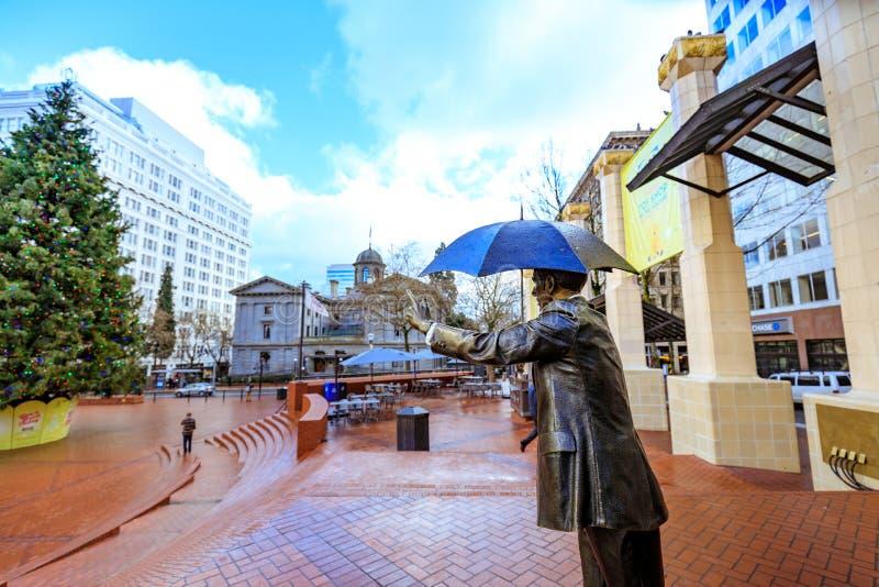Permita-me, igualmente sabido como o homem do guarda-chuva no tribunal pioneiro Squar imagem de stock royalty free