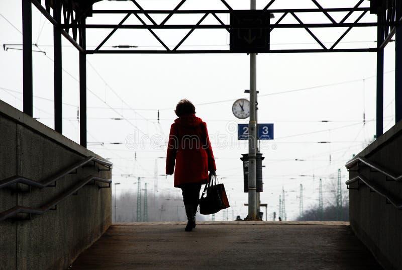 Permutando in treno da lavorare fotografie stock libere da diritti