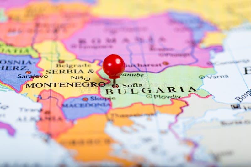 Perno rosso di spinta sulla mappa della Bulgaria immagini stock libere da diritti
