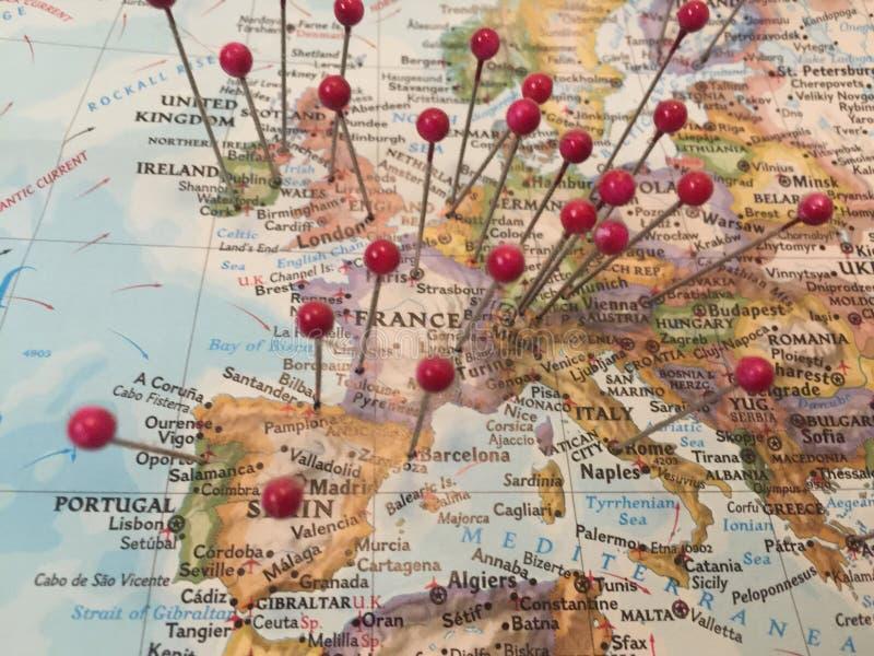 Pernos del mapa en Europa imagen de archivo libre de regalías