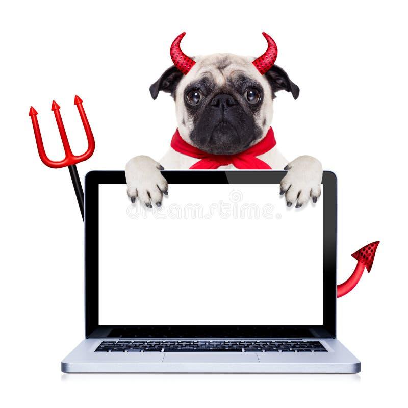 Perro de diablo de Halloween imagen de archivo