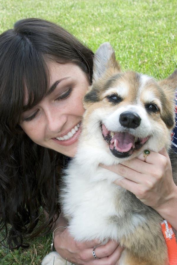 Perro de la muchacha imágenes de archivo libres de regalías