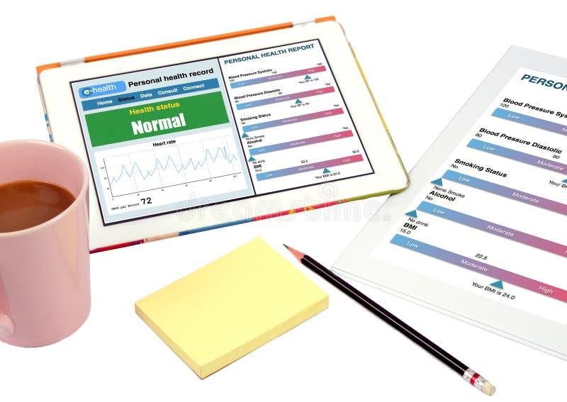 Persönliche Gesundheitsakteshow auf Tablette. lizenzfreies stockfoto