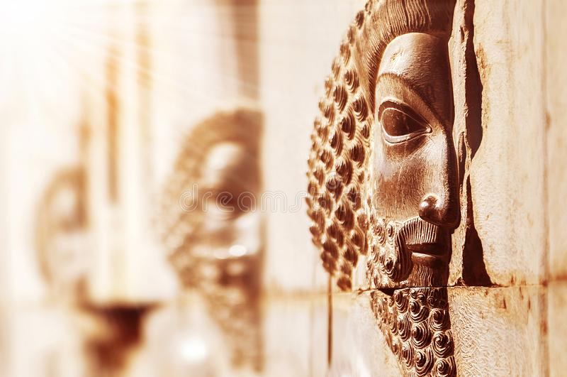 Persepolis is de oude stad van Perzië iran Steen bas-hulp op de muren royalty-vrije stock foto
