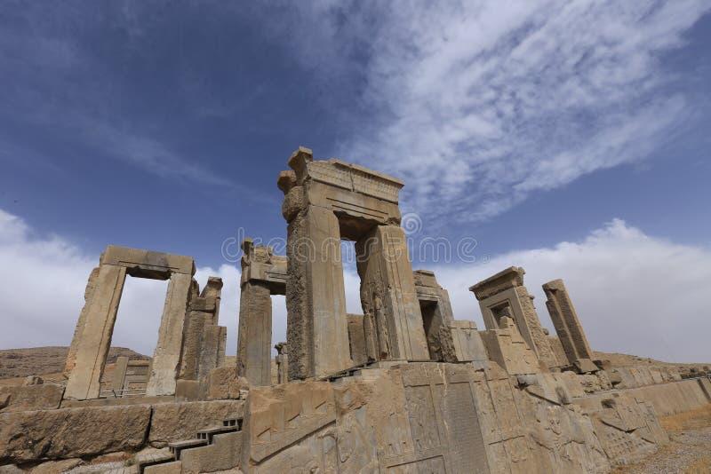 Persepolis den kungliga slotten av Achaemenidvälden gör till kung royaltyfria foton