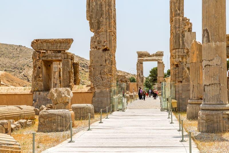Persepolis gamla stenportar fotografering för bildbyråer