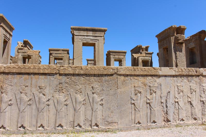 Persepolis Iran: Fördärvar av den ceremoniella huvudstaden av Achaemenidvälden royaltyfri bild