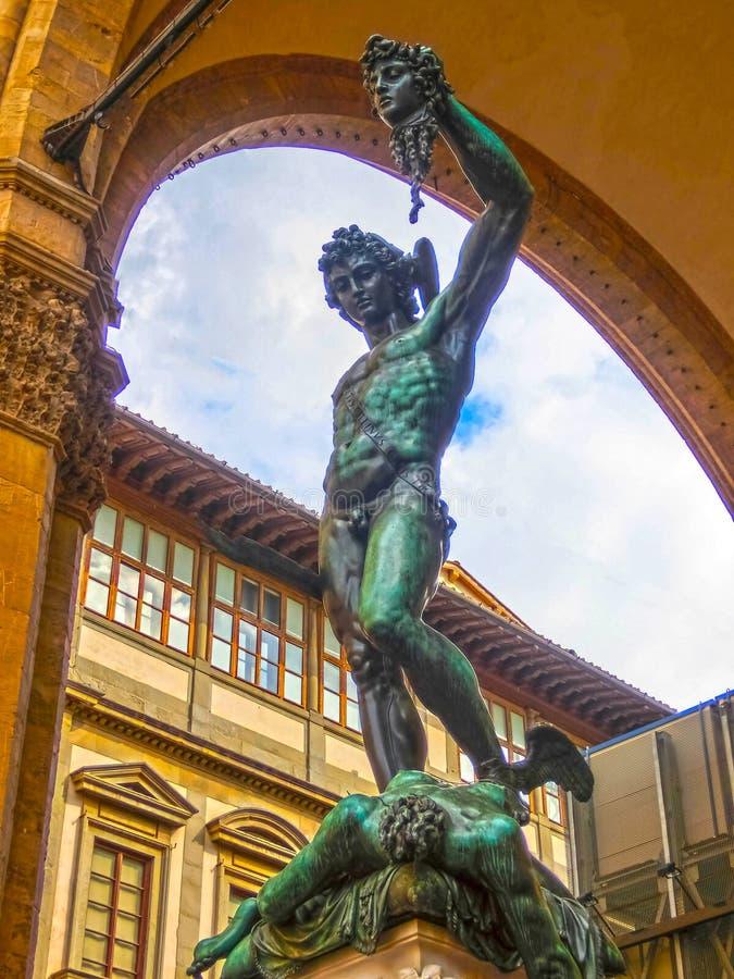 Perseus hållande huvud av medusaen, bronsstaty som skapas av Benvenuto Cellini royaltyfri foto