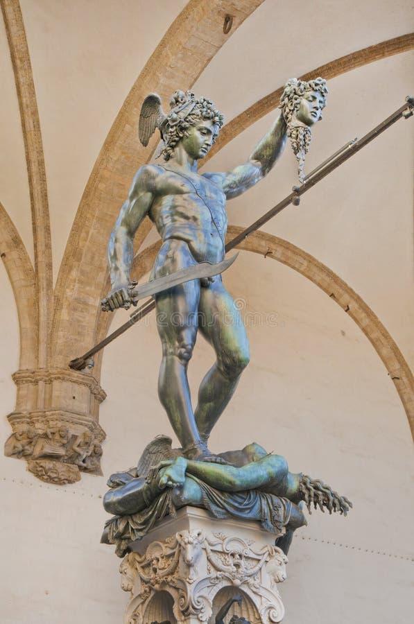 Perseus som halshugger Medusa arkivbild