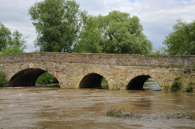 Pershore alte Brücke lizenzfreie stockfotografie