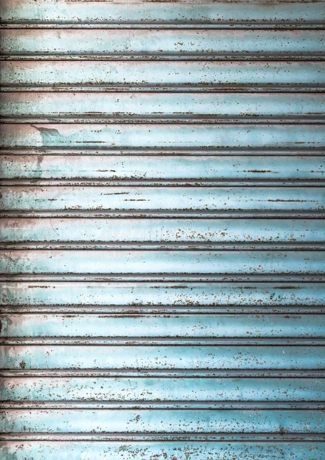 Persianas de rodillo de la ventana foto de archivo