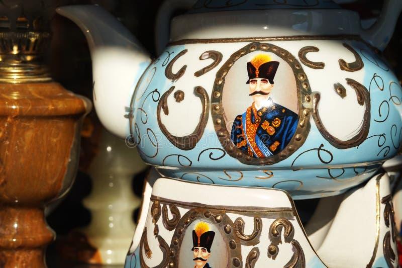 Persische Porzellan-Teekannen-iranischer traditioneller Samowar stockfoto