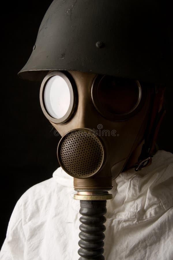 Person in der Gasmaske lizenzfreie stockfotografie