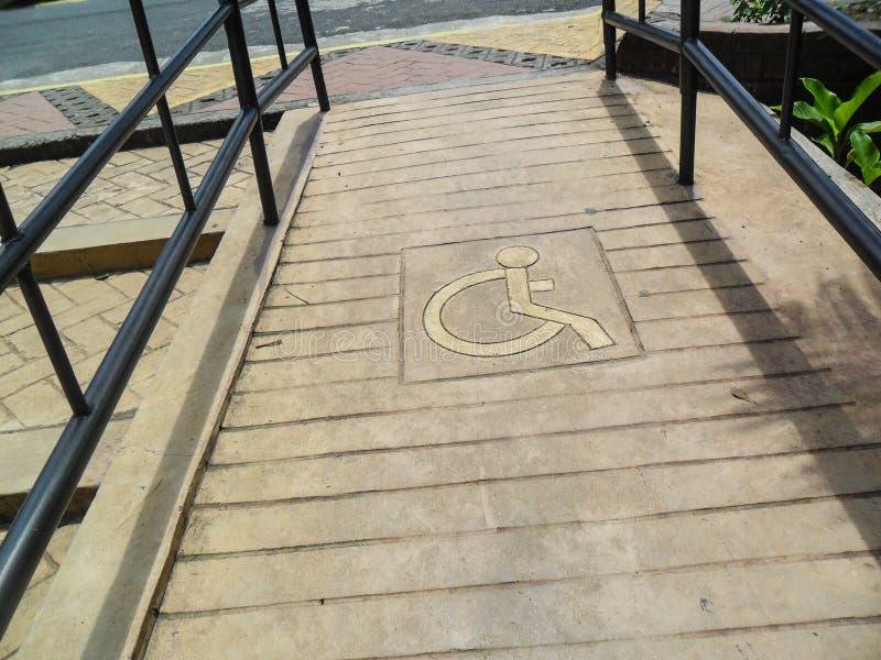 Person med handikappgränden royaltyfria foton
