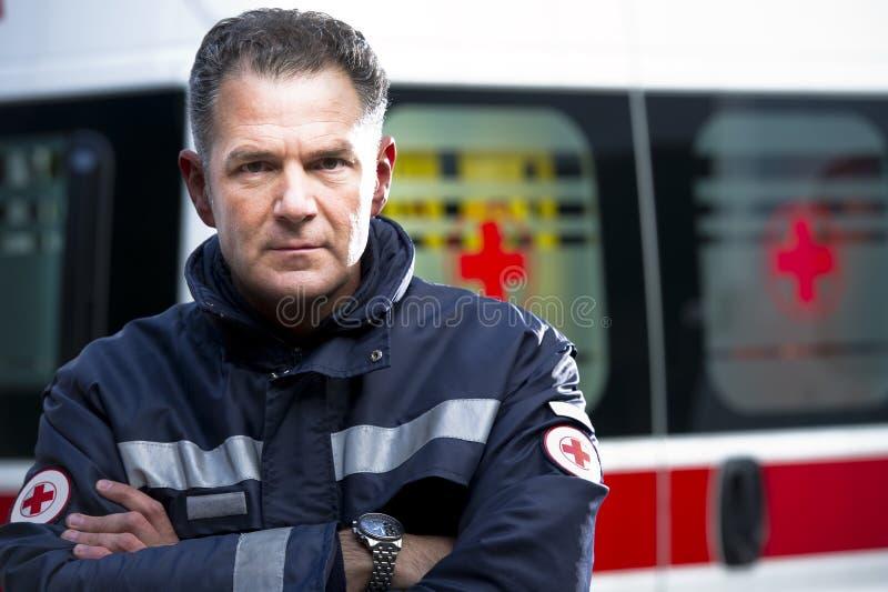 person med paramedicinsk utbildning royaltyfri fotografi