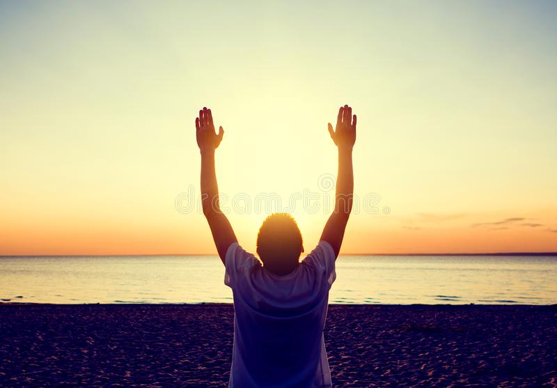Person Praying feliz fotografia de stock