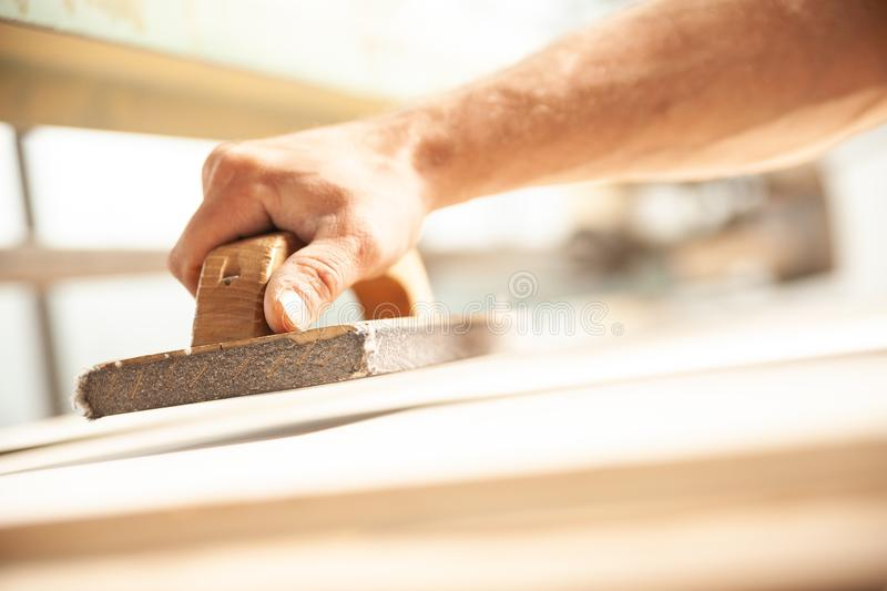 how to sand wood smooth