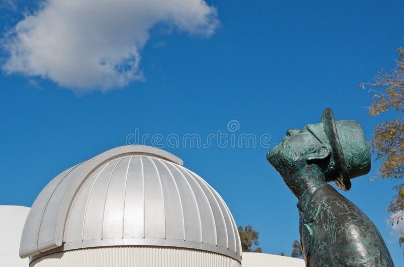 person som stirrarplanetariumstjärna royaltyfri fotografi