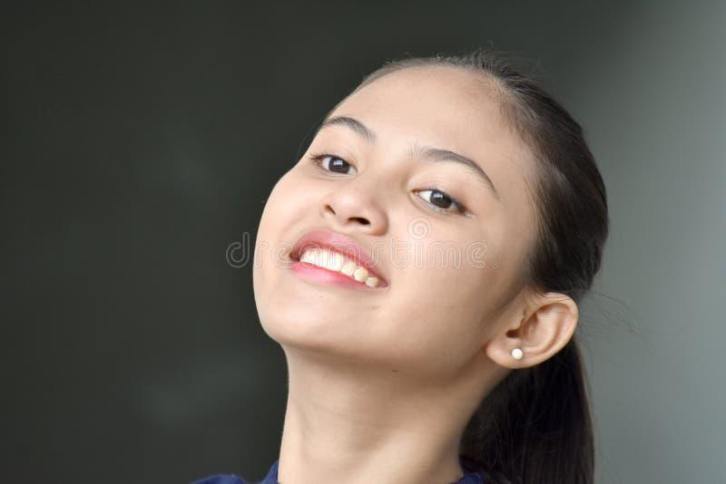 Persona asiática linda contemplativa foto de archivo
