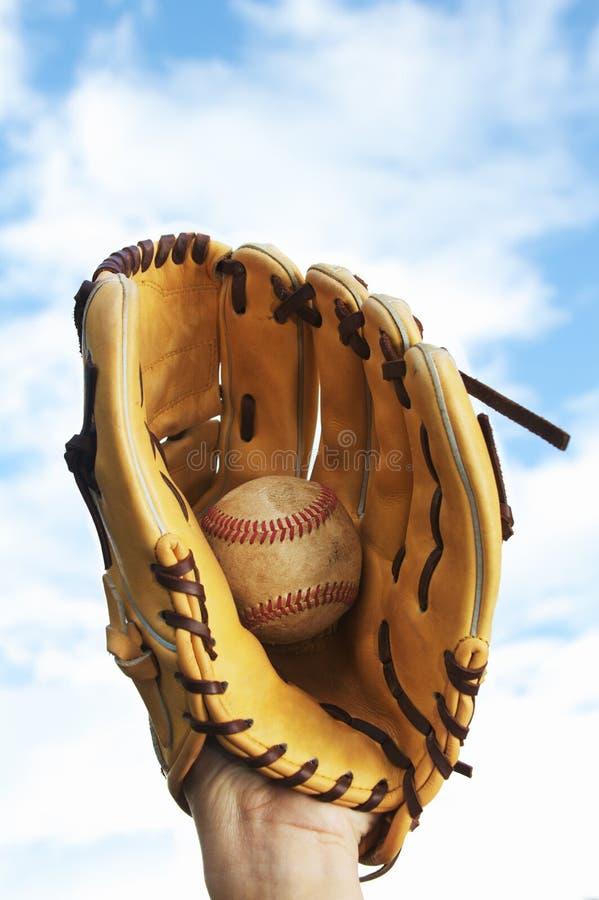 Persona che prende un baseball immagini stock
