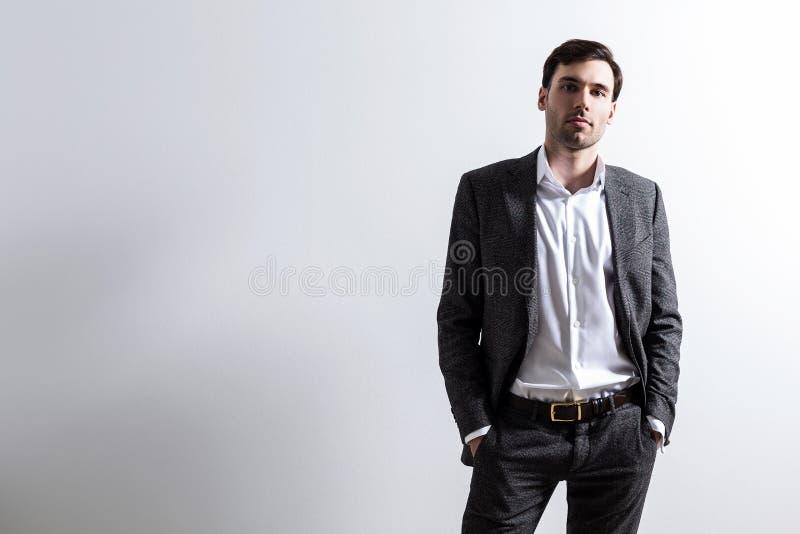 Persona di affari su bianco fotografie stock libere da diritti
