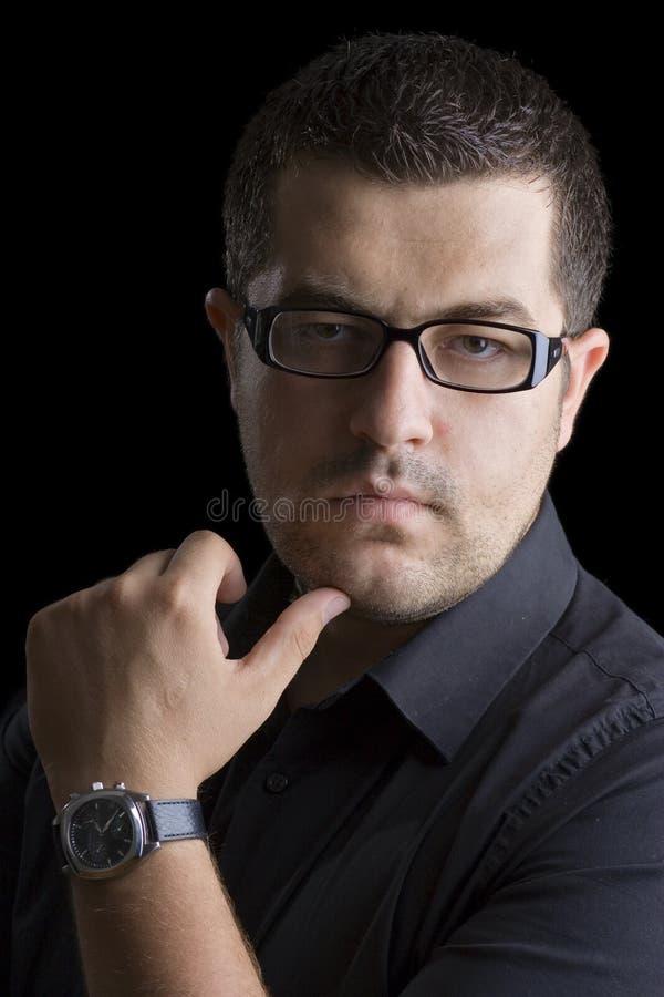 Persona en una camisa negra fotos de archivo libres de regalías