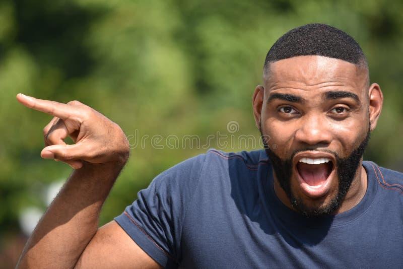 Persona negra asustada fotografía de archivo