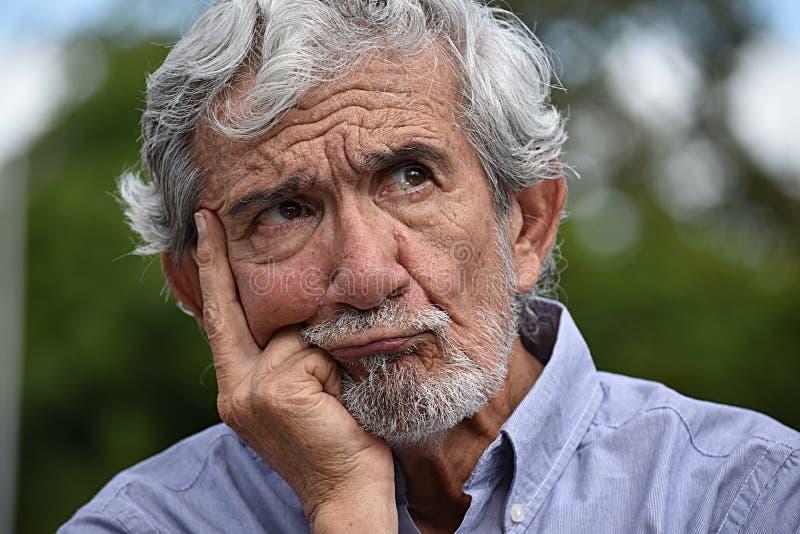 Persona pensativa del Latino fotografía de archivo libre de regalías