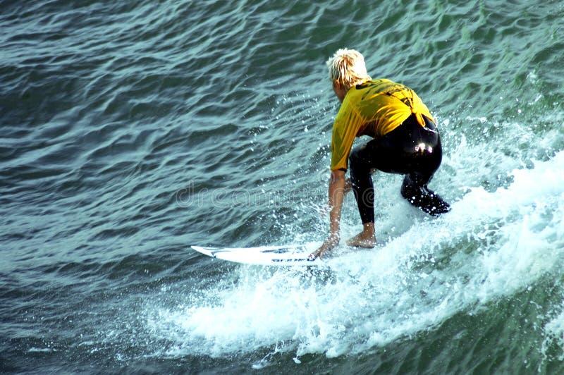 Persona que practica surf 11 foto de archivo libre de regalías