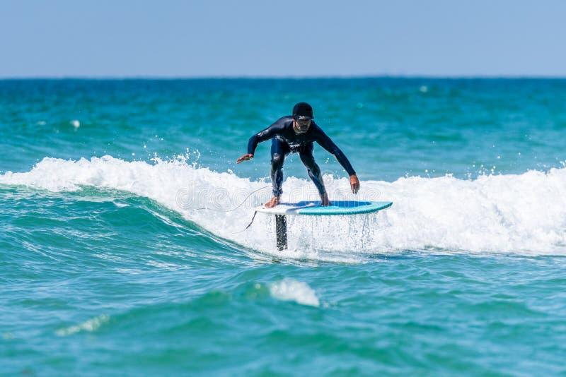 Persona que practica surf de Hidrofoil fotos de archivo libres de regalías