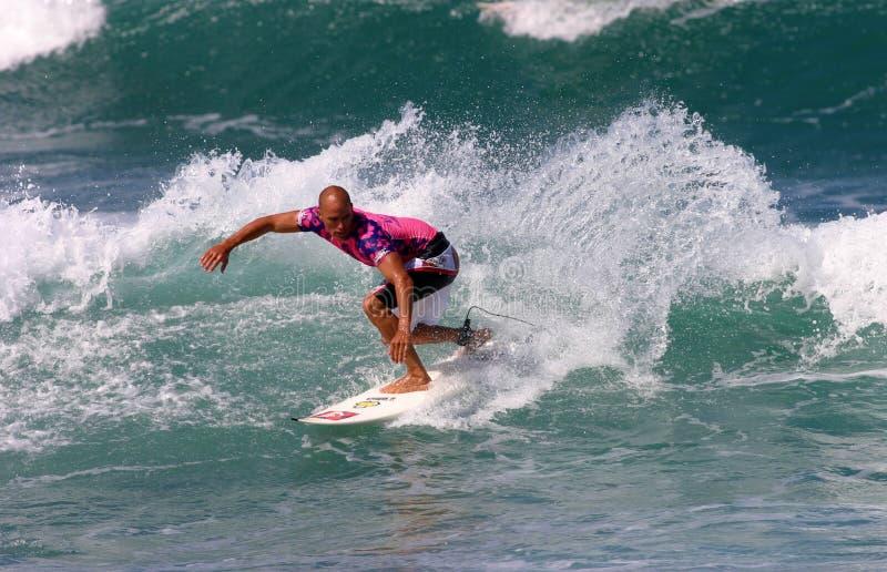 Persona que practica surf del campeón del mundo de Kelly Slater foto de archivo libre de regalías