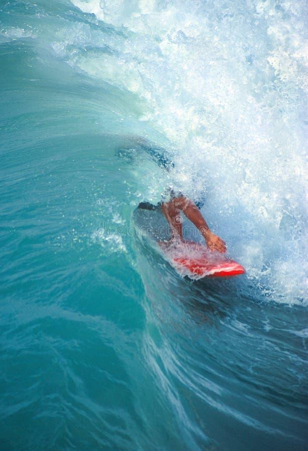 Persona que practica surf del tubo imagenes de archivo