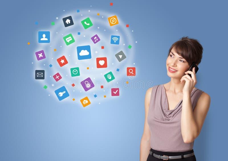 Persona que presenta iconos y símbolos de la nueva aplicación stock de ilustración