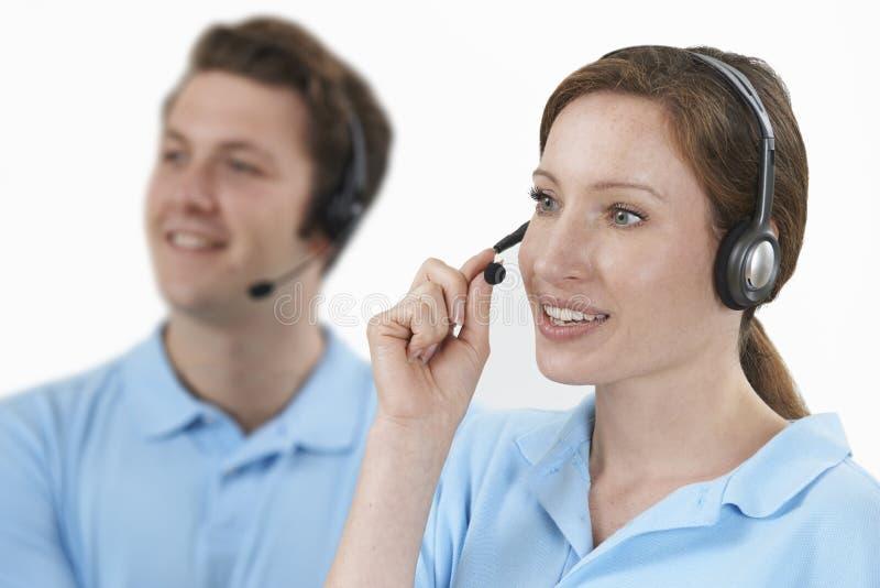 Personal-antwortende Anrufe im Kunden-Kundendienst stockbild