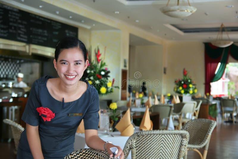 Personal del restaurante en el trabajo imagen de archivo