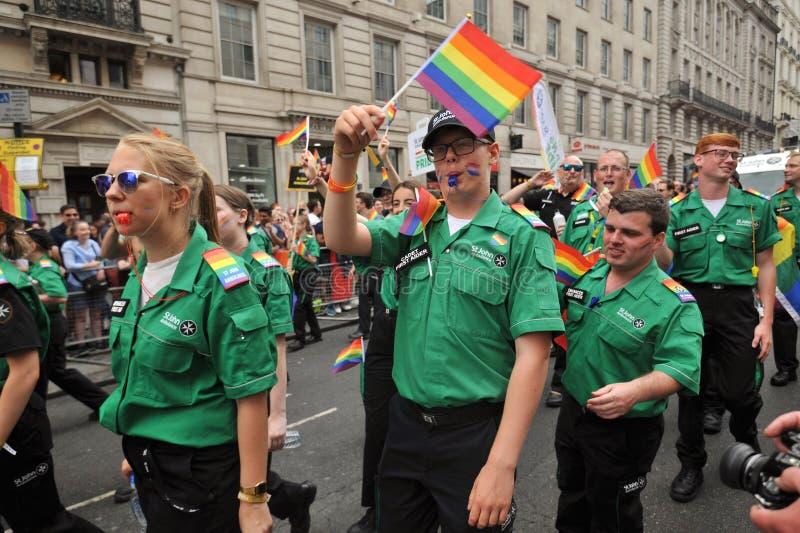 Personale dell'ambulanza al gay pride a Londra, Inghilterra 2019 immagine stock libera da diritti