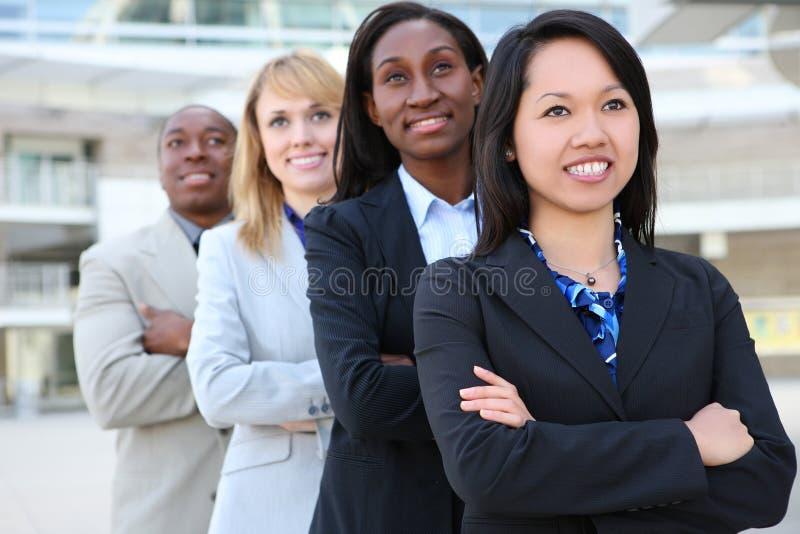 Personas atractivas diversas del asunto foto de archivo