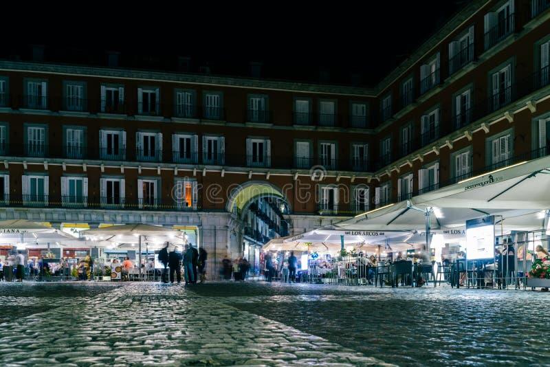 Alcalde De La Plaza En Madrid Por Noche Foto Editorial
