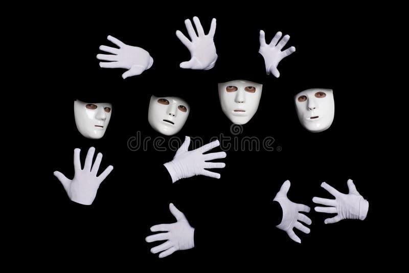Personas de los bailarines de la rotura de los jóvenes en máscaras foto de archivo libre de regalías