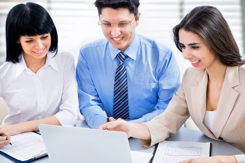 Download Personas del asunto foto de archivo. Imagen de businessman - 42430602