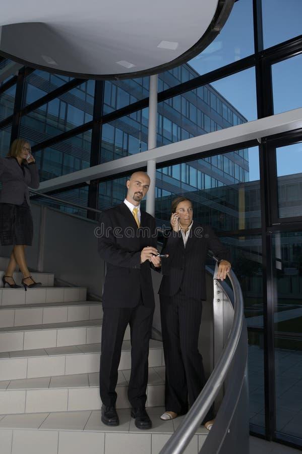 Personas del asunto en las escaleras foto de archivo libre de regalías
