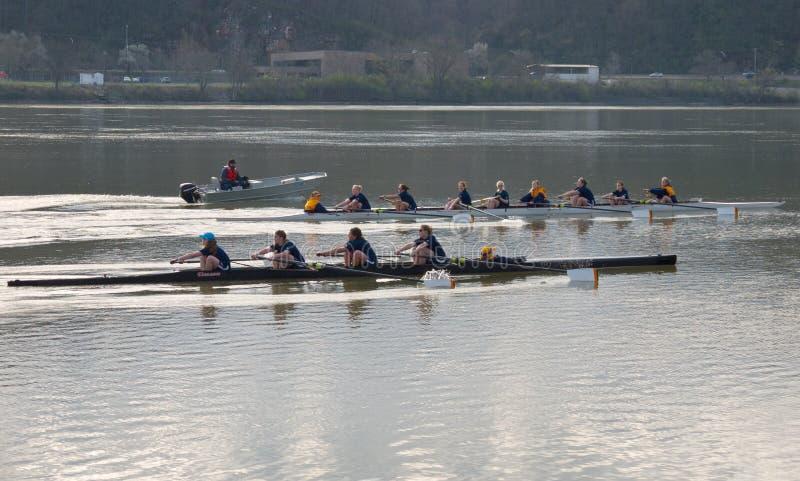 Personas del Rowing foto de archivo libre de regalías