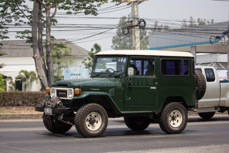 Personbil Toyota landkryssare royaltyfria foton