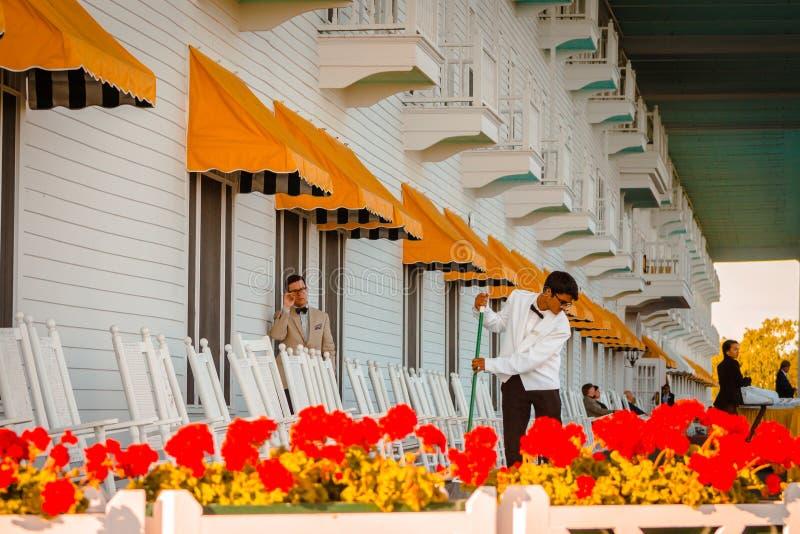 Personeel die bij het Grote Hotel aan Mackinac-Eiland werken stock afbeelding